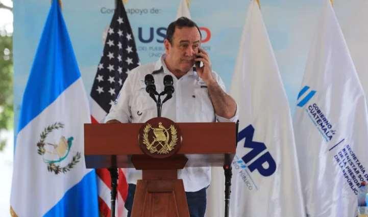 Alejandro Giammattei, presidente de Guatemala contrae COVID-19