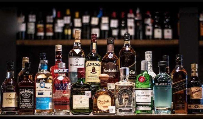 Cliente aprovecha El Buen Fin y compra 2 mil 340 botellas de Whisky en oferta