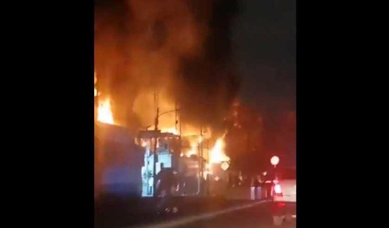 Fuerte incendio en subestación eléctrica de CFE en CDMX; más de 31 mil 500 sin luz
