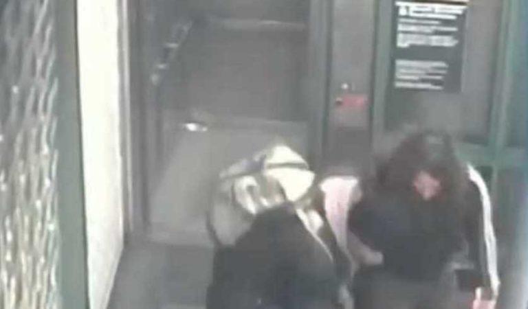 Pareja golpea a mujer de 60 años tras discutir por el uso de cubrebocas | VIDEO
