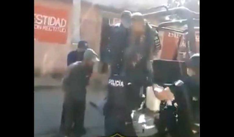 Policías detienen a personas que no usan cubreboca en Oaxaca | VIDEO