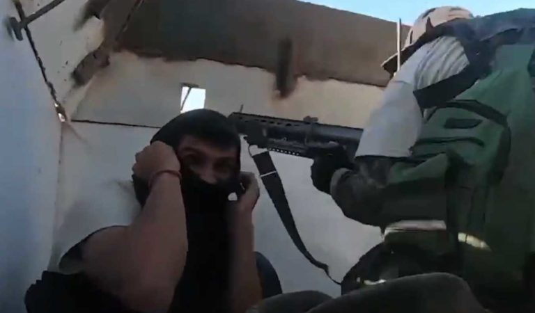 Emboscada del CJNG a autodefensas y reporteros; habitantes huyen | VIDEO