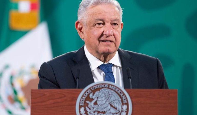 AMLO hace fuerte reclamo a El Universal y Reforma ¿Dónde estaban con el saqueo de México?