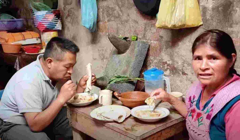 Oaxaqueña se vuelve viral al mostrar desayuno sencillo con col | VIDEO